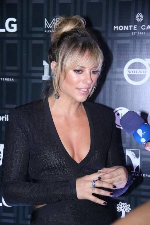 Paolla Oliveira na festa de lançamento da revista VIP