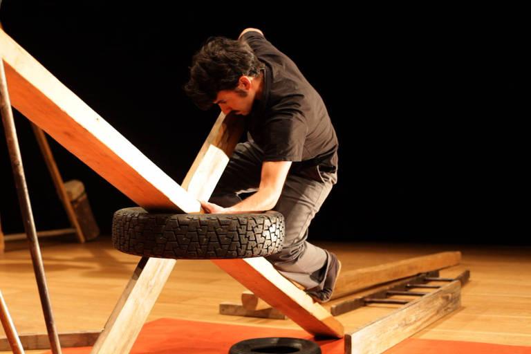 """O artista espanhol Jordi Galí abre o Festival Contemporâneo de Dança com o espetáculo """"T"""""""