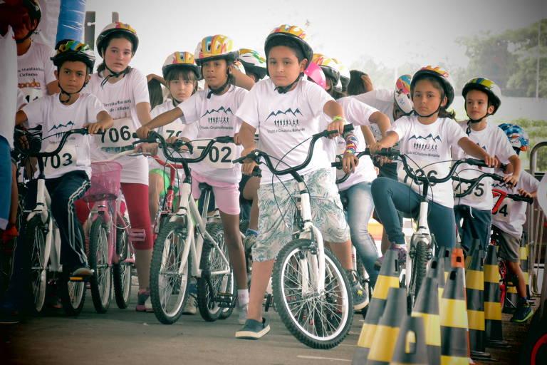 Crianças participam da edição de 2016 do Mairiporã Ecofest Adventure