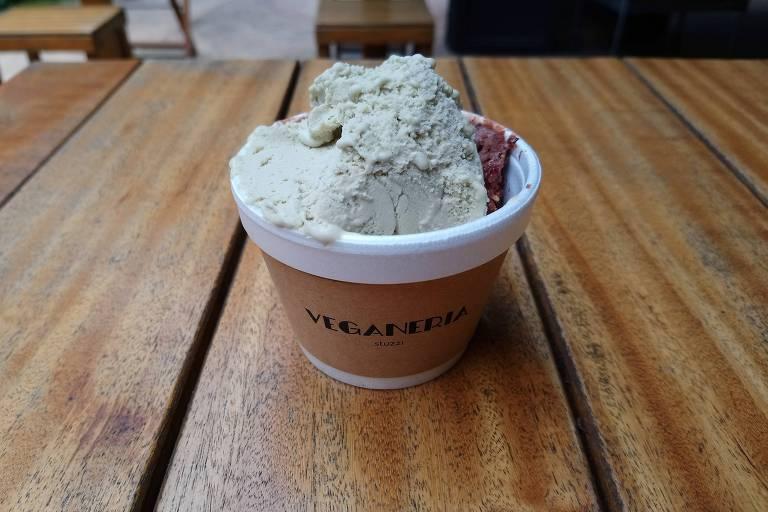 Sabor pistache à base de leite de castanhas da Veganeria Stuzzi