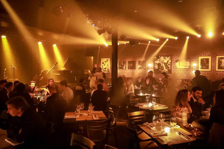 Ambiente do bar Café Society