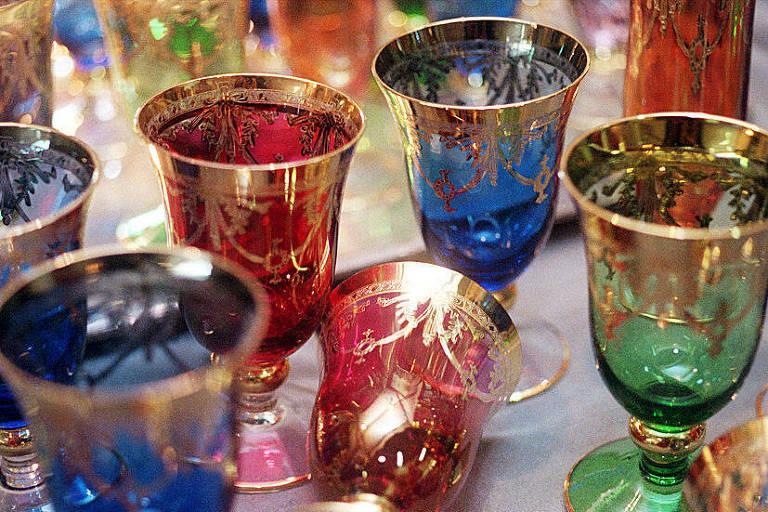 Taças de cristal encontradas na feira de antiguidades do Bexiga