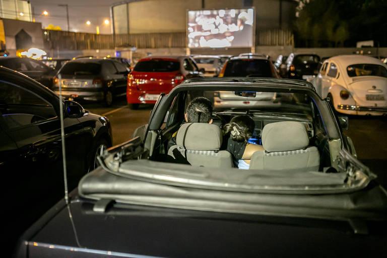 Cine Autorama simula um cinema drive-in