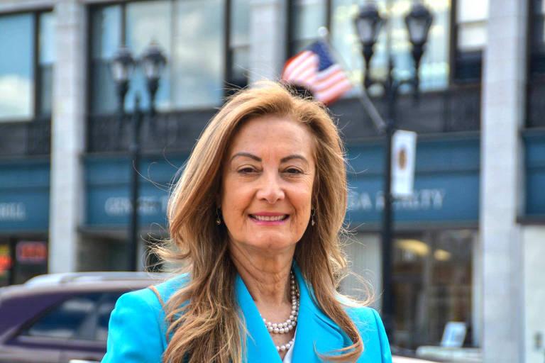 Margareth Shepard, primeira brasileira a ser eleita vereadora nos EUA, em foto de campanha
