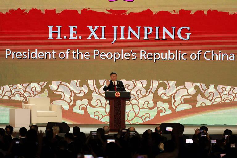 O chin�s Xi Jinping durante seu discurso no f�rum no Vietn�
