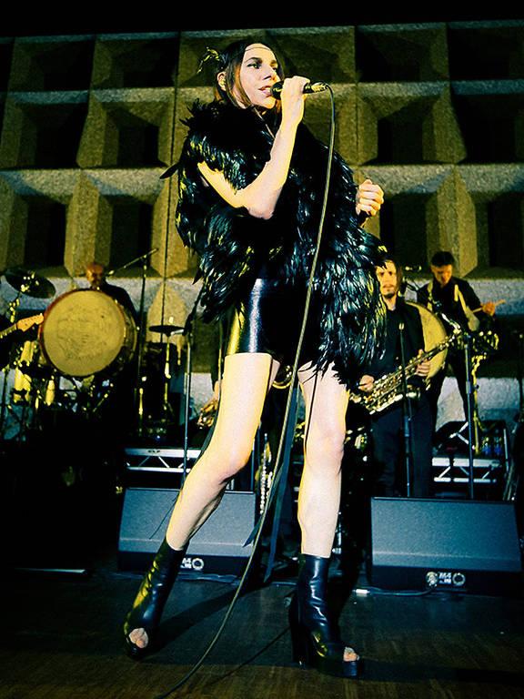 A cantora inglesa PJ Harvey, que faz dois shows no Brasil