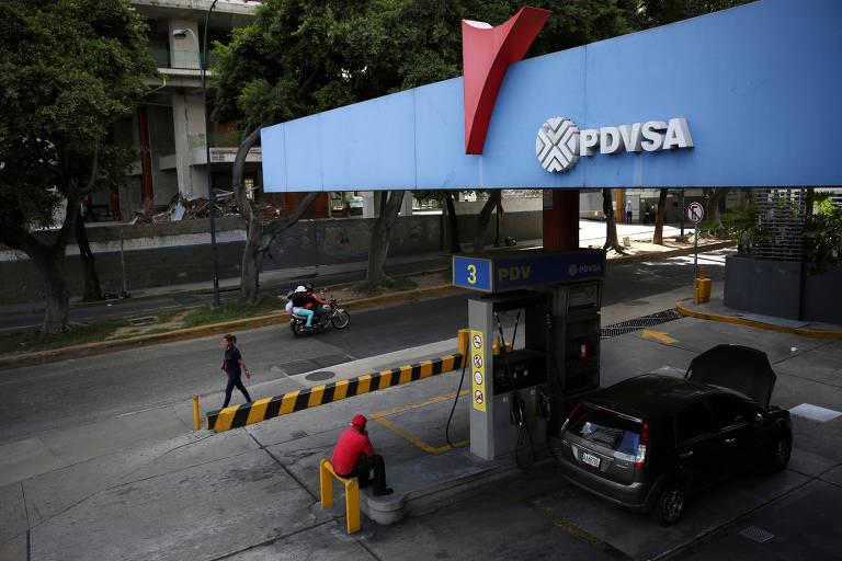 Posto da estatal PDVSA em Caracas; Venezuela tem menor volume mensal de extração desde 1989