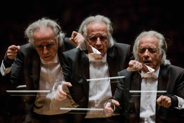 O pianista e atual maestro Joao Carlos Martins durante apresentacao com sua Bachiana Filarmonica Sesi-SP