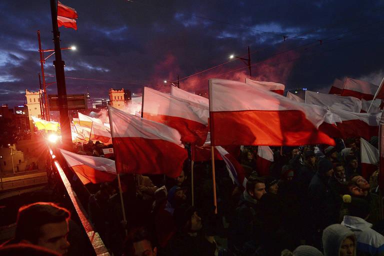 Nacionalistas poloneses protestam contra imigração e pela identidade do país no Dia da Independência
