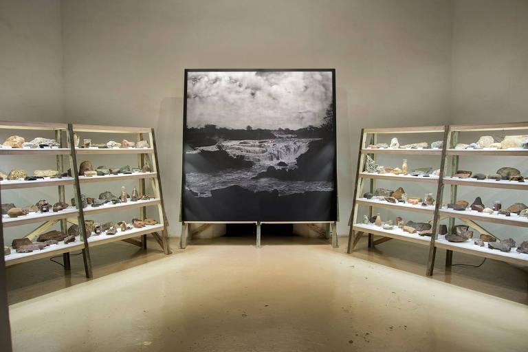Instalação 'Arrasto' (2015), do brasileiro Marcelo Moscheta