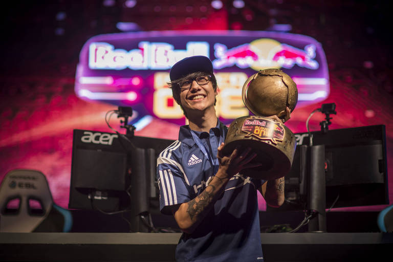"Tinowns, campeão do último ""Red Bull Player One"""