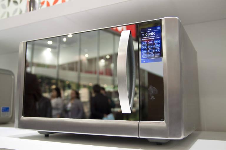 Descubra os mitos e verdades do uso do forno micro-ondas