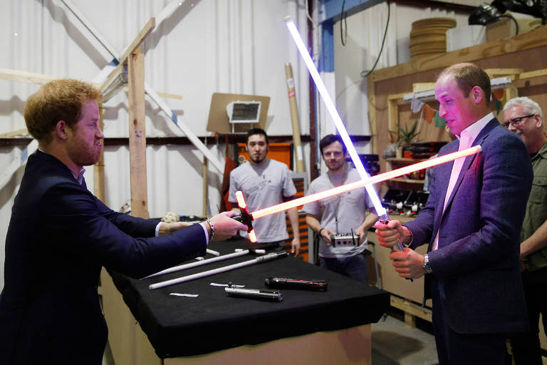 Príncipes William e Harry gravaram participações em Star Wars, diz ator