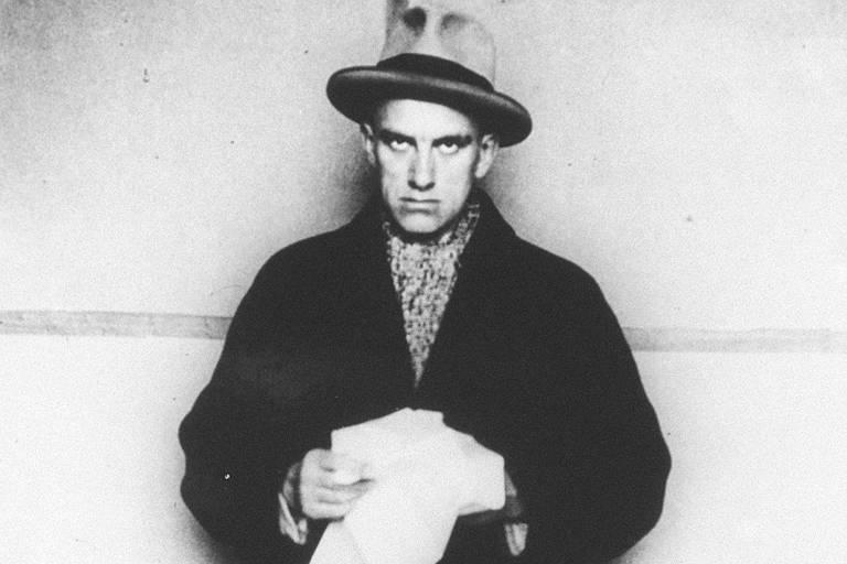 Poeta georgiano Vladimir Maiakóvski, em foto sem data