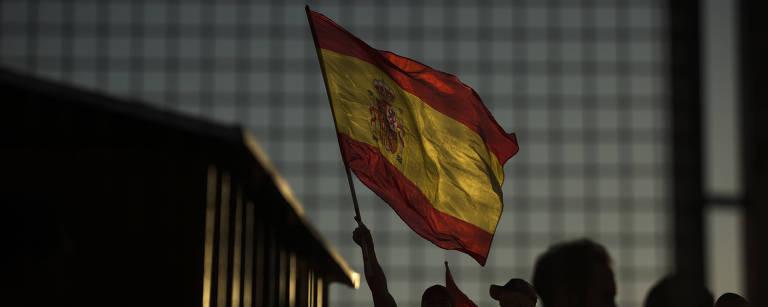 Bandeira da Espanha Francisco Seco/Associated Press