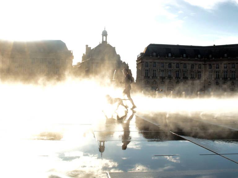 Espelho d'água em Bordeaux Nádia Jung/Folhapress