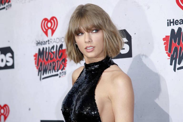 O cantora Taylor Swift no iHeartRadio Music Awards, em 2016