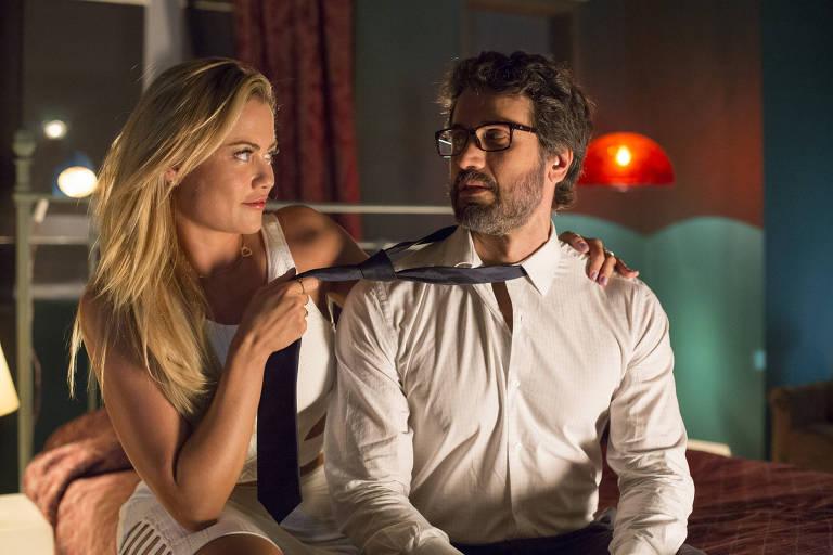 Suzy (Ellen Rocche)  e Samuel (Eriberto Leão) em cena da novela de Walcyr Carrasco