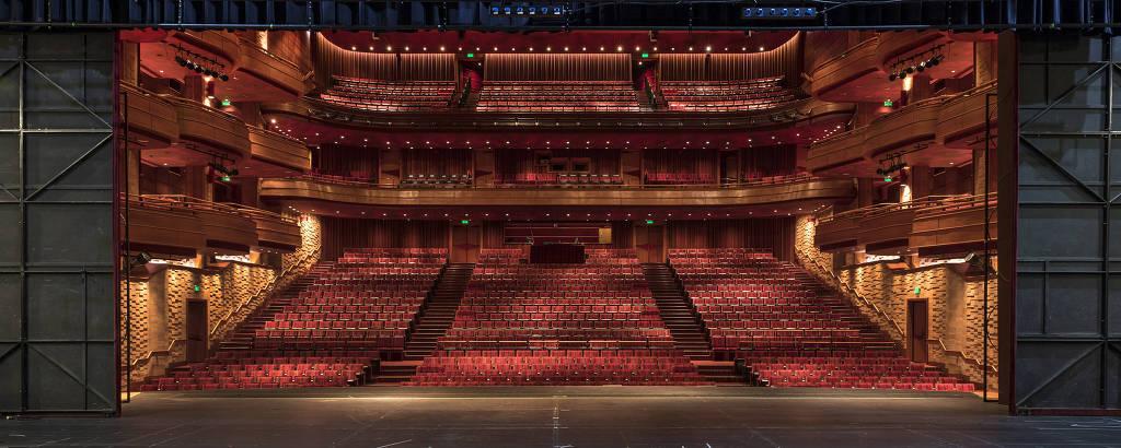 Teatro Bradesco promove shows com público reduzido; apresentação do Ira! está na agenda
