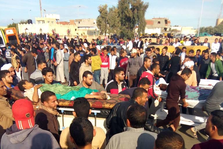 Ataque a mesquita mata dezenas no Egito