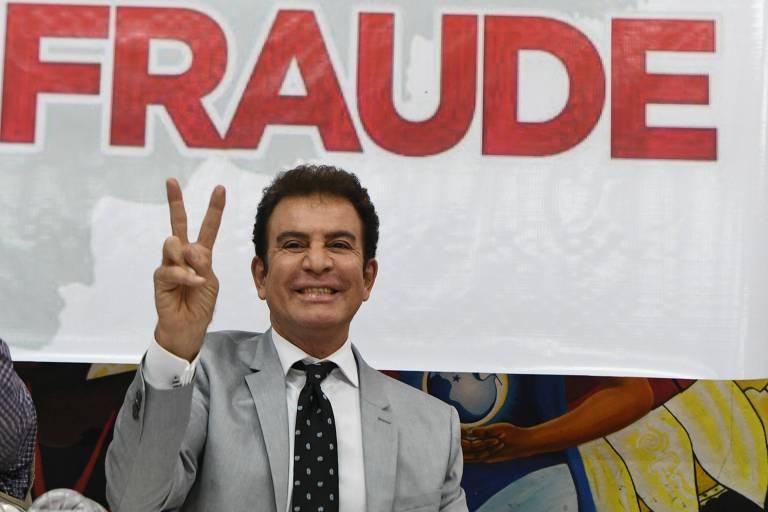 Salvador Nasralla, candidato de oposição em Honduras que concorre hoje com o presidente Juan Orlando Hernández