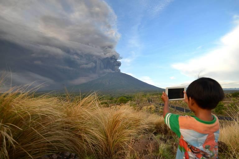 Vulcão desperta em Bali