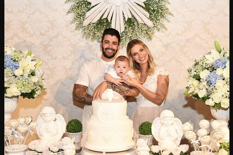 Gusttavo Lima e Andressa Suita batizam filho Gabriel