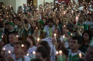 Famílias de vítimas do voo da Chape vão à Justiça na Bolívia, Colômbia e EUA