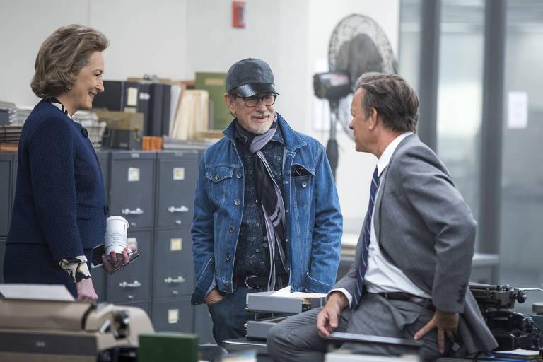 """Spielberg com Meryl Streep e Tom Hanks no set de """"The Post"""""""
