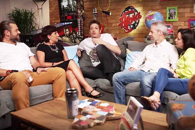 Primeiro episódio do programa 'Porta Afora', apresentado por Fabio Porchat e Rosana Hermann