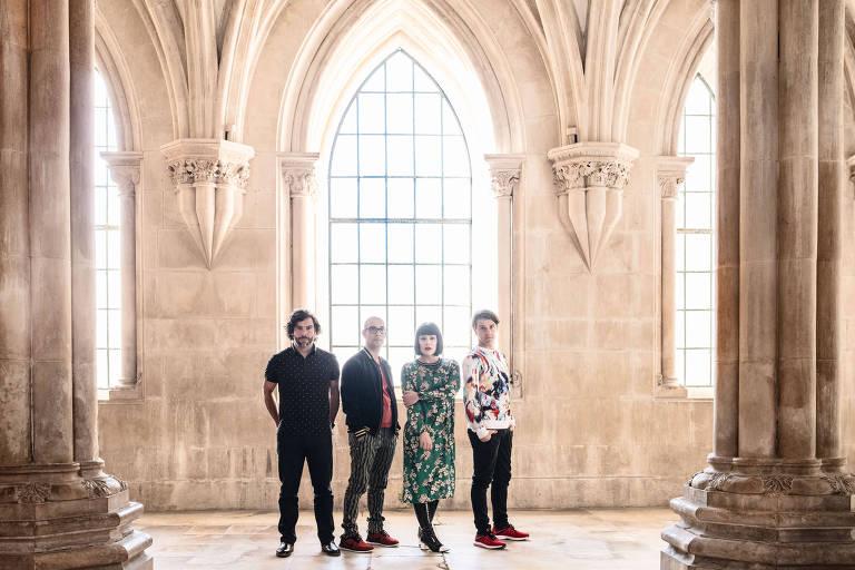A banda portuguesa The Gift faz show na Casa Natura Musical