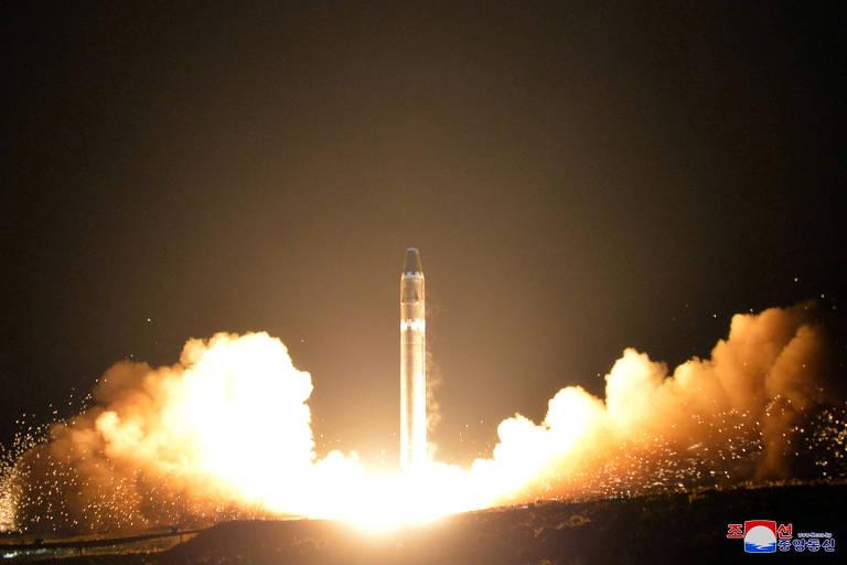 O lançamento do Hwasong-15, novo míssil norte-coreano