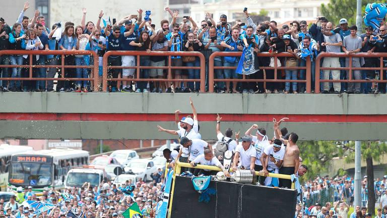 Grêmio é recebido em Porto Alegre