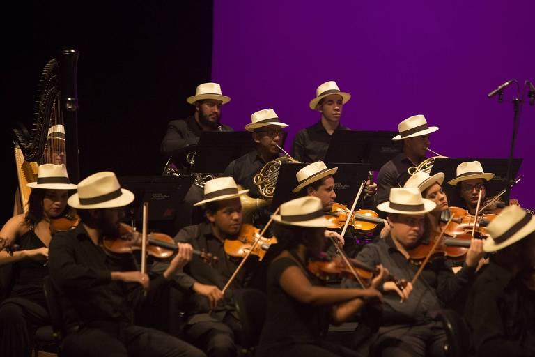A Orquestra Jovem Tom Jobim faz concerto com participação da cantora Mônica Salmaso