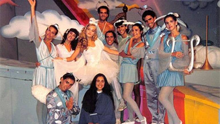 """Em 1988 passou para as tardes de sábado da tv Manchete com o """"Milk Shake"""", programa que pretendia conquistar os fãs do Chacrinha, falecido pouco antes"""