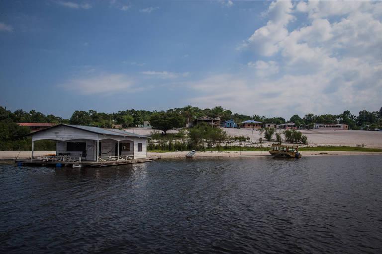 Comunidade Três Unidos, que fica  a cerca de 60 km de Manaus, na área de proteção ambiental do rio Negro