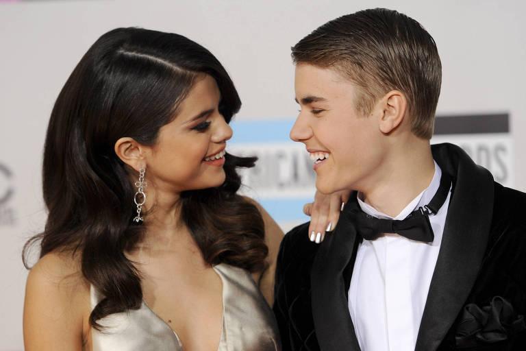 Selena e Justin no AMA de 2011, no começo da relação