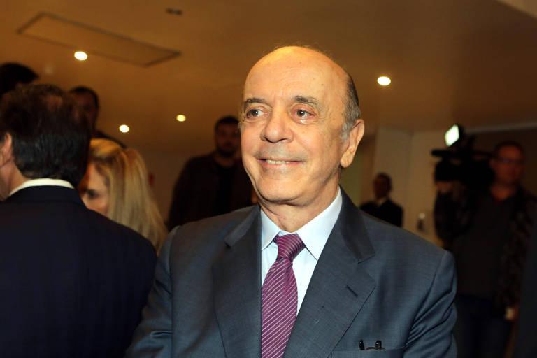 O senador José Serra durante jantar no clube Hebraica, em São Paulo