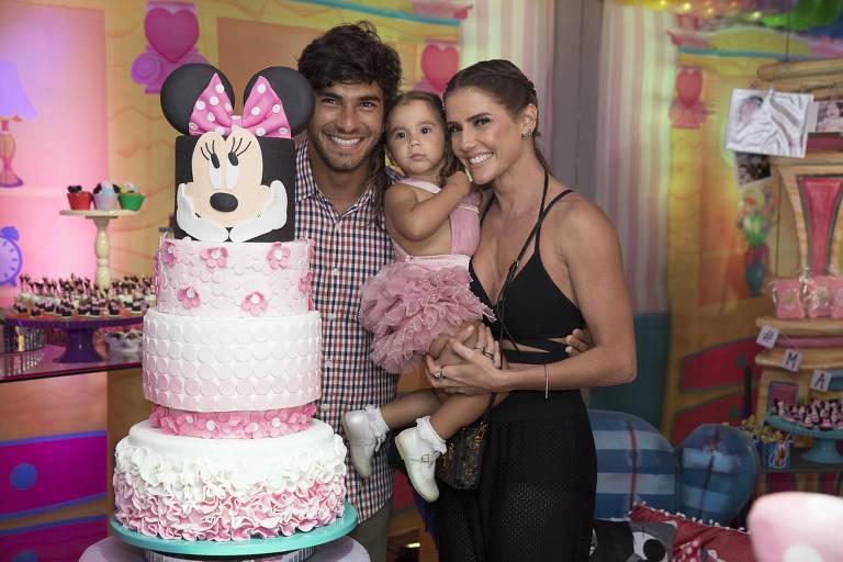 Aniversário de Maria Flor, filha de Deborah Secco e Hugo Moura