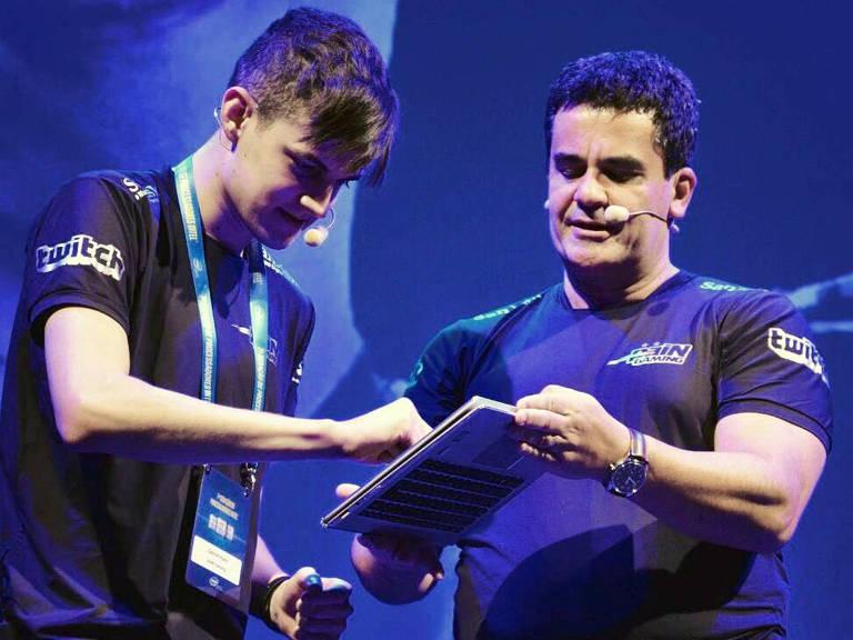 """Gabriel Bohm Santos, conhecido como Kami ou KamiKat, é um jogador profissional de """"League of Legends"""""""