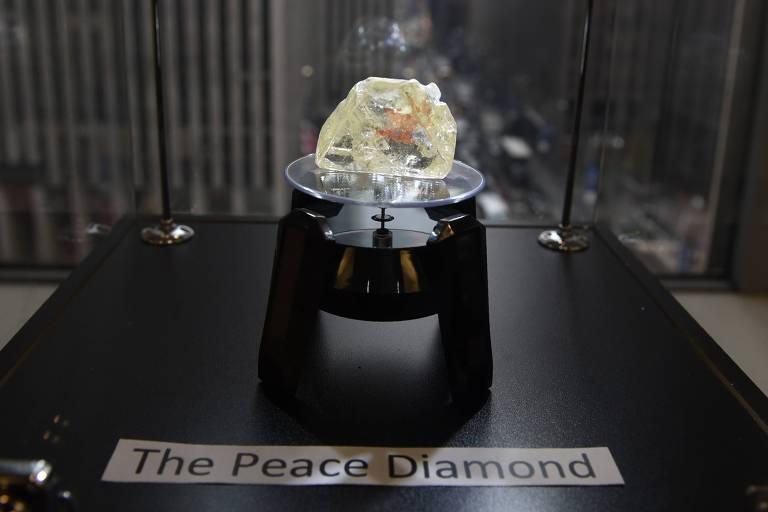 Venda do 'diamante da paz'