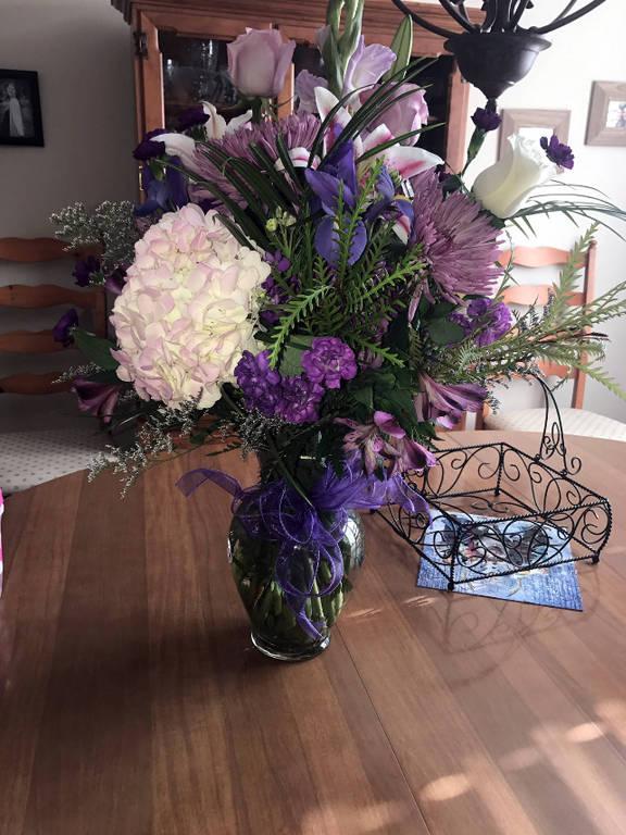 Morto por câncer, pai 'envia' flores no aniversário da filha por cinco anos