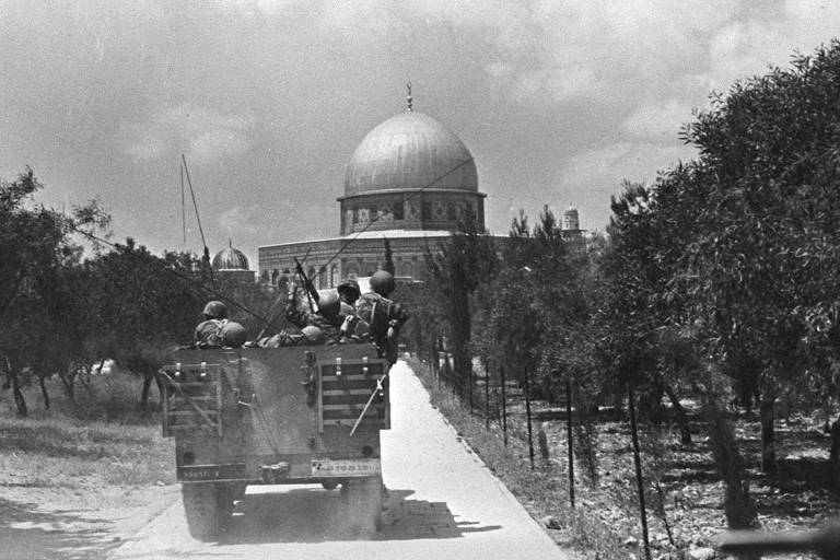 Soldados israelenses chegam a Jerusal�m durante a Guerra dos Seis Dias