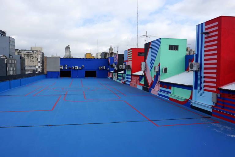 """Ambiente do rooftop Alto Bomra é inspirado no cenário do filme """"Dogville"""""""