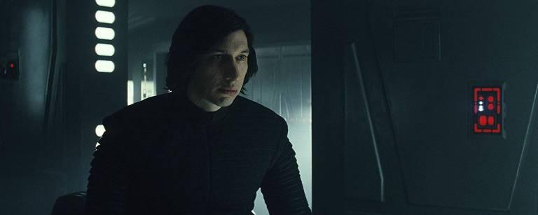Adam Driver como o vilão Kylo Ren em cena de 'Star Wars: Os Últimos Jedi' – Divulgação