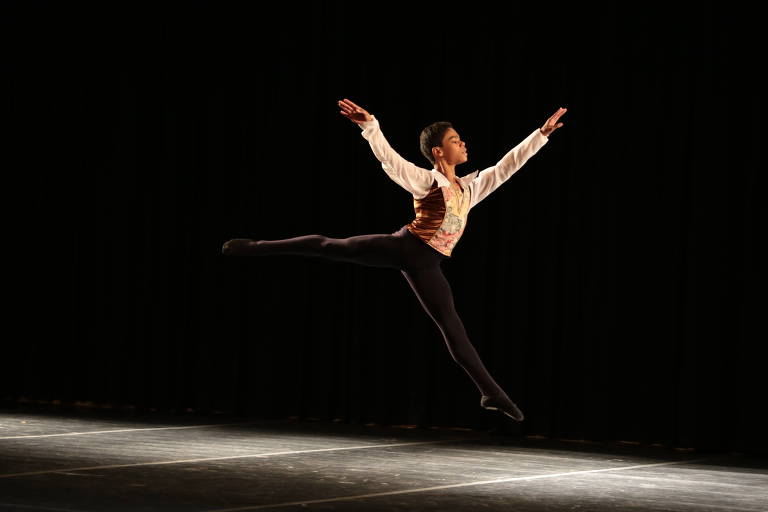 """Ballet Paraisópolis no espetáculo """"Construindo Sonhos"""""""