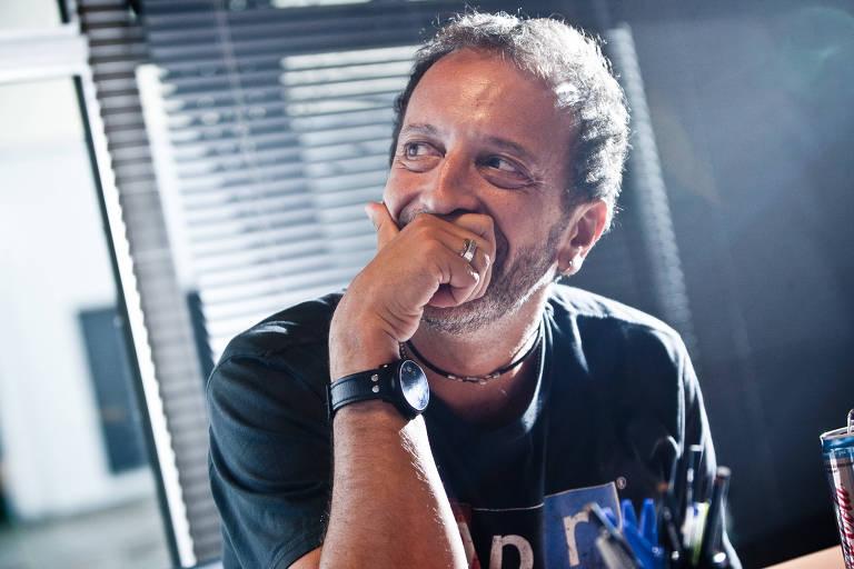 O argentino Diego Guebel, em sua sala na emissora, em 2012
