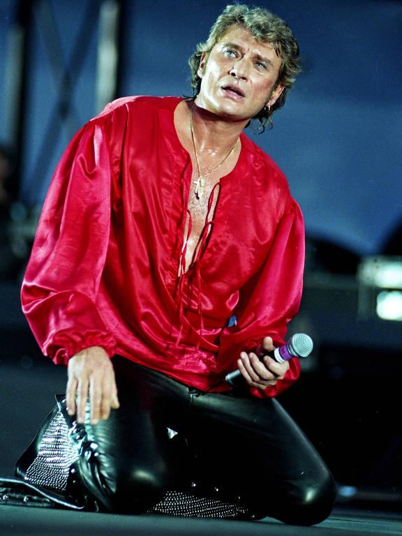 O cantor francês Johnny Hallyday morreu nesta quarta-feira (6), aos 74 anos