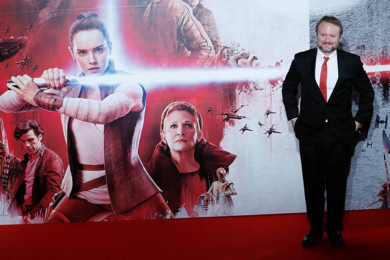 O diretor Rian Johnson durante a première de 'Star Wars: Os Últimos Jedi' em Tóquio, no Japão