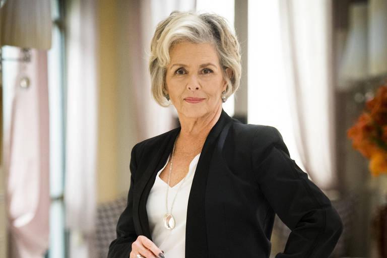 "Irene Ravache vive a personagem Sabine em ""Pega Pega"""